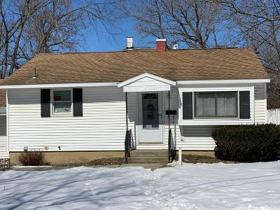 Pittsfield Single Family Home For Sale: 3 Burke Ave