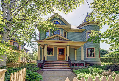 Pittsfield Single Family Home For Sale: 159 Wendell Ave