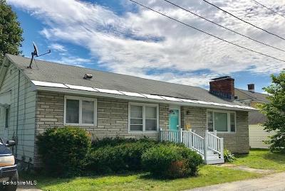 North Adams Single Family Home For Sale: 14 Chesbro Ave