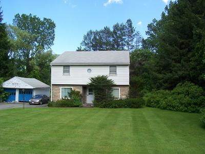 North Adams Single Family Home For Sale: 1268 Curran --