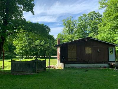Lenox Single Family Home For Sale: 333 West Mountain Rd