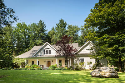 Berkshire County Single Family Home For Sale: 204 Hillsdale Rd