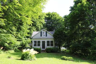 Lenox Single Family Home For Sale: 15 Hubbard St