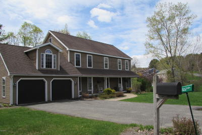 Pittsfield Single Family Home For Sale: 1 Tamie Way