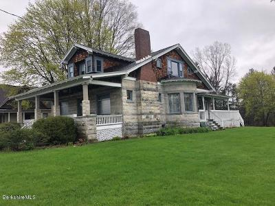 Lee Single Family Home For Sale: 324 West Park St