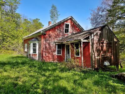 Adams, Clarksburg, Florida, New Ashford, North Adams, Savoy, Williamstown Single Family Home For Sale: 59 Harwood Rd