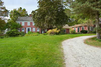 Berkshire County Single Family Home For Sale: 590 Canaan Rd
