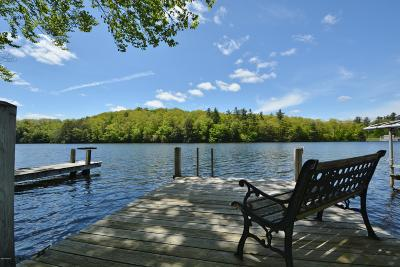 Berkshire County Single Family Home For Sale: 24 South Gate Island Rd