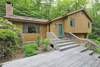Alford, Becket, Egremont, Great Barrington, Lee, Lenox, Monterey, Mt Washington, New Marlborough, Otis, Sandisfield, Sheffield, South Lee, Stockbridge, Tyringham, West Stockbridge Single Family Home For Sale: 334 Lakeshore Dr