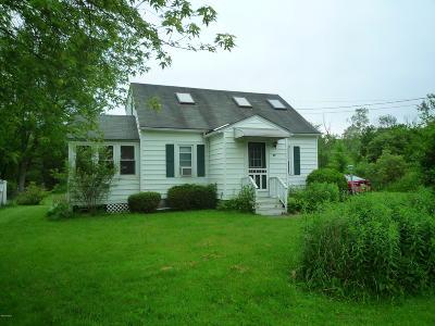 Adams, Clarksburg, Florida, New Ashford, North Adams, Savoy, Williamstown Single Family Home For Sale: 25 Sunset Dr