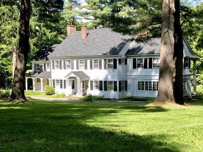 Great Barrington Single Family Home For Sale: 80 Lewis Ave
