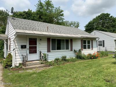 Pittsfield Single Family Home For Sale: 885 North St