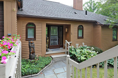 Berkshire County Condo/Townhouse For Sale: 19 Hawthorne Rd #BV - 3B