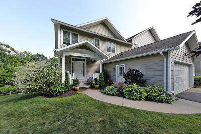 Pittsfield Single Family Home For Sale: 109 Alpine Trail