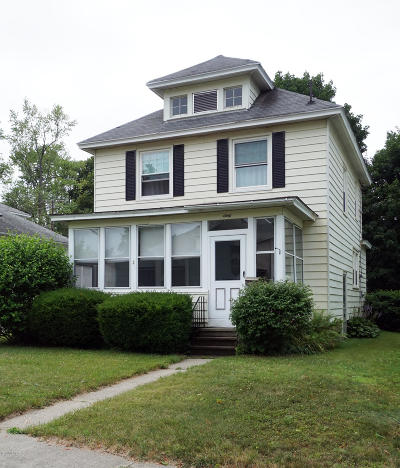 Pittsfield Single Family Home For Sale: 60 Livingston Ave