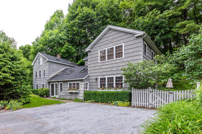 Alford, Becket, Egremont, Great Barrington, Lee, Lenox, Monterey, Mt Washington, New Marlborough, Otis, Sandisfield, Sheffield, South Lee, Stockbridge, Tyringham, West Stockbridge Single Family Home For Sale: 1015 Main St