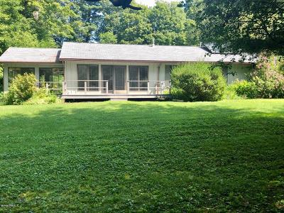 Alford, Becket, Egremont, Great Barrington, Lee, Lenox, Monterey, Mt Washington, New Marlborough, Otis, Sandisfield, Sheffield, South Lee, Stockbridge, Tyringham, West Stockbridge Single Family Home For Sale: 43 Pinecrest Dr