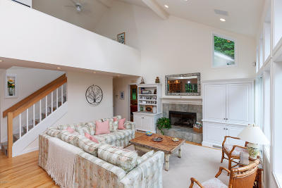 Alford, Becket, Egremont, Great Barrington, Lee, Lenox, Monterey, Mt Washington, New Marlborough, Otis, Sandisfield, Sheffield, South Lee, Stockbridge, Tyringham, West Stockbridge Single Family Home For Sale: 6 Samantha Ln