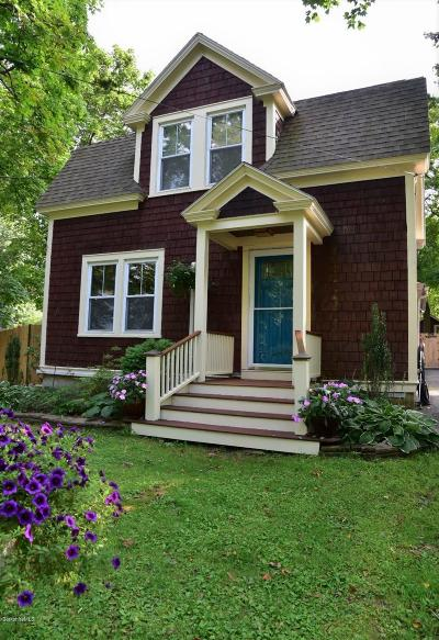Pittsfield Single Family Home For Sale: 25 Oliver Ave