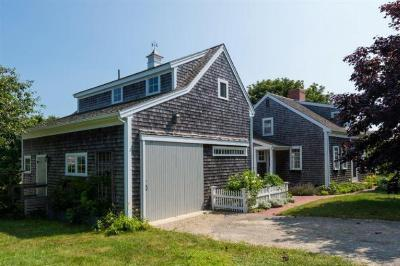 Single Family Home Sold: 24 Champlain Road