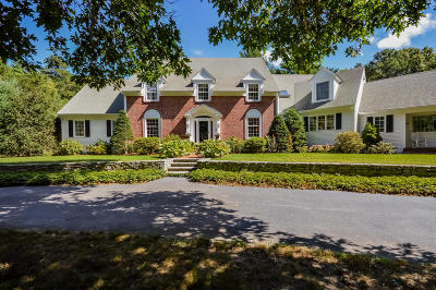 Barnstable Single Family Home For Sale: 140 Bunker Hill Road
