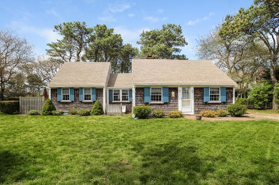 Dennis Single Family Home For Sale: 26 Lower County Road