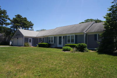 Dennis Single Family Home Contingent: 40 Cove Road