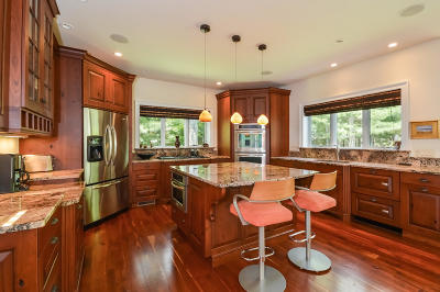 Orleans Single Family Home For Sale: 9 Lobster Lane