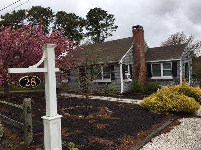 Chatham Single Family Home For Sale: 28 Pine Drive