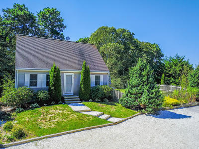 Harwich Single Family Home For Sale: 11 Bayberry Road