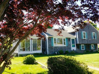 Dennis Single Family Home Contingent: 15 Huckleberry Lane