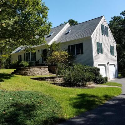 Harwich Single Family Home For Sale: 8 Kettle Pond Drive