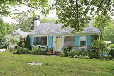 Chatham Single Family Home For Sale: 74 Eldredge Square