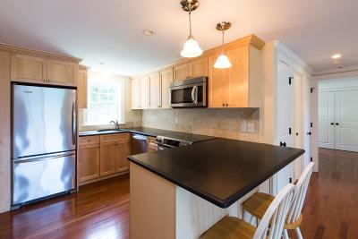 Chatham Condo/Townhouse Contingent: 119 Misty Meadow #5