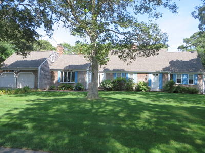 Harwich Single Family Home Contingent: 51 Monomoy Road