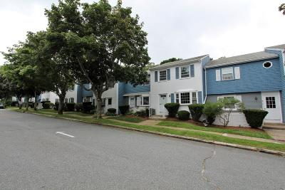 Barnstable Condo/Townhouse Contingent: 1431 Iyannough Road #4