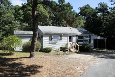 Harwich Single Family Home For Sale: 152 Gilbert Lane