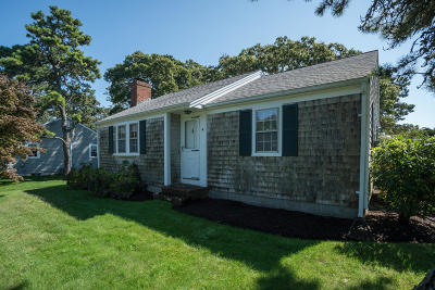 Harwich Single Family Home For Sale: 4 Crosby Road
