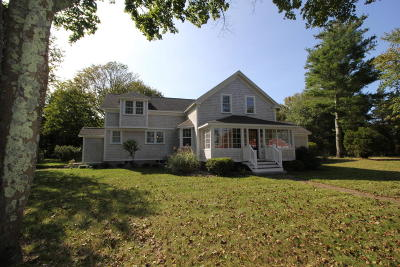 Falmouth Single Family Home For Sale: 332 Carriage Shop Road