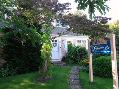 Single Family Home Sold: 14 Commercial Street