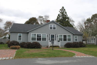 Falmouth Single Family Home For Sale: 53 Meadow Lane