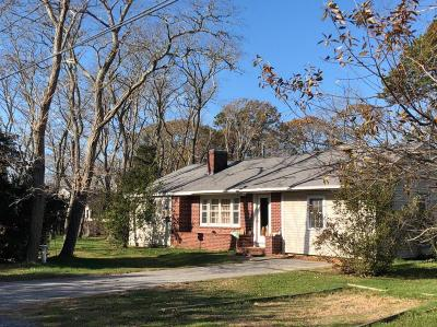 Eastham Single Family Home Contingent: 160 Bayside Drive