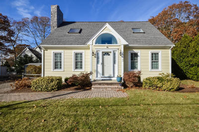 Mashpee Single Family Home For Sale: 43 Uncle Edwards Road