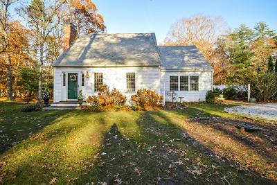 Barnstable Single Family Home For Sale: 8 Eastwood Lane