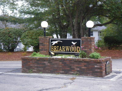 Falmouth Condo/Townhouse Contingent: 64 Pine Valley Drive #64