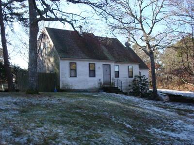 Dennis Single Family Home Contingent: 35 Windsor Avenue