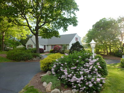 Barnstable Single Family Home For Sale: 435 Whistleberry Drive