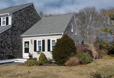 Falmouth Condo/Townhouse Contingent: 14 Woodview Drive