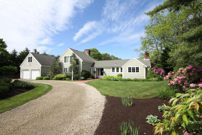 Mashpee Single Family Home For Sale: 49 Greensward Road