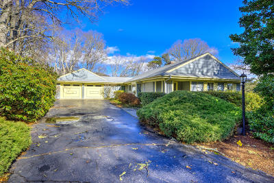 Barnstable Single Family Home For Sale: 67 Long Pond Circle